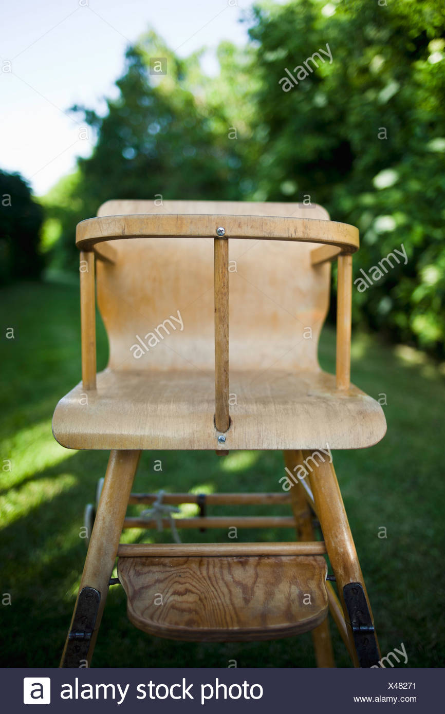Close-up d'une vieille chaise d'enfant Photo Stock