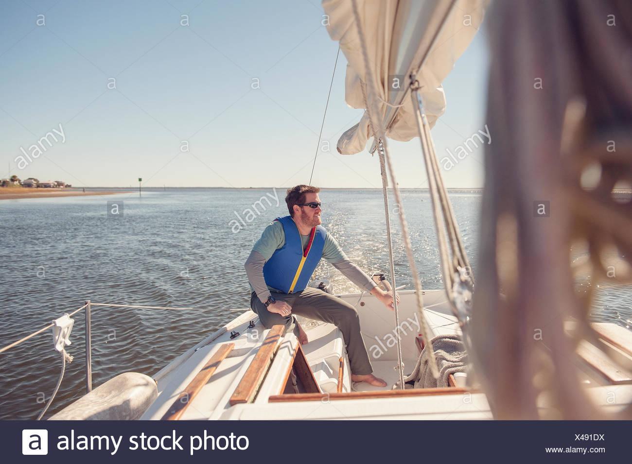 Man sailing voilier, en Floride, l'Amérique, USA Photo Stock