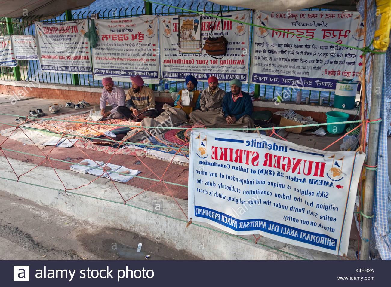 Les manifestants en grève de la faim, Jantar Mantar, Connaught Place, New Delhi, New Delhi, Inde du Nord, Inde, Asie Photo Stock