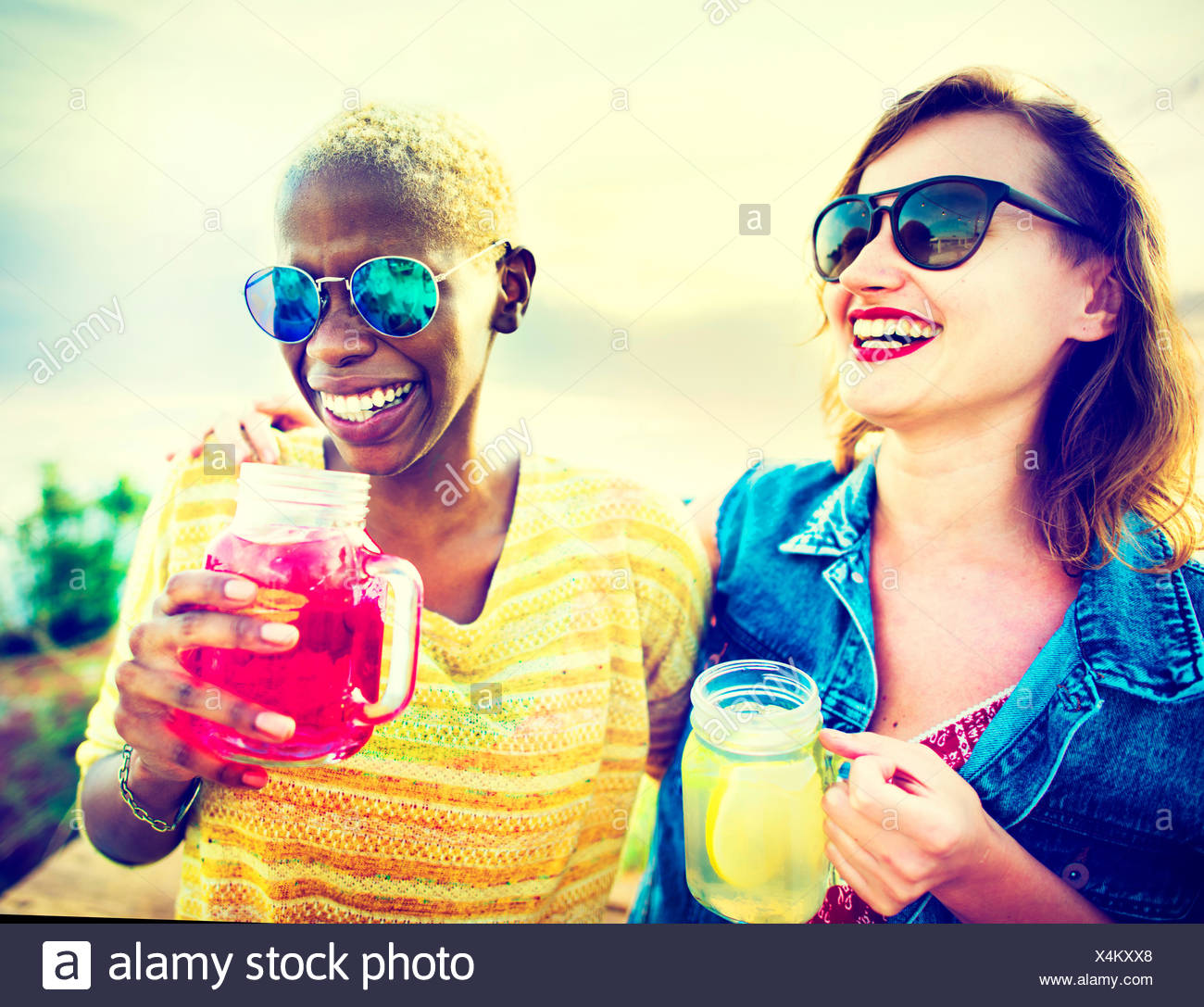 Partie de l'été bonheur amitié copines Concept Photo Stock
