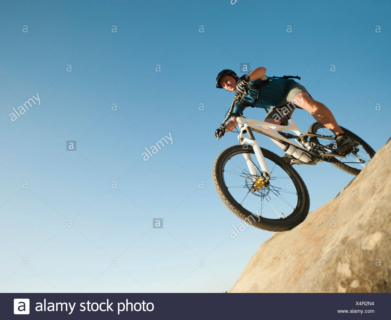 USA,California,Laguna Beach,vélo de montagne équitation ski Banque D'Images