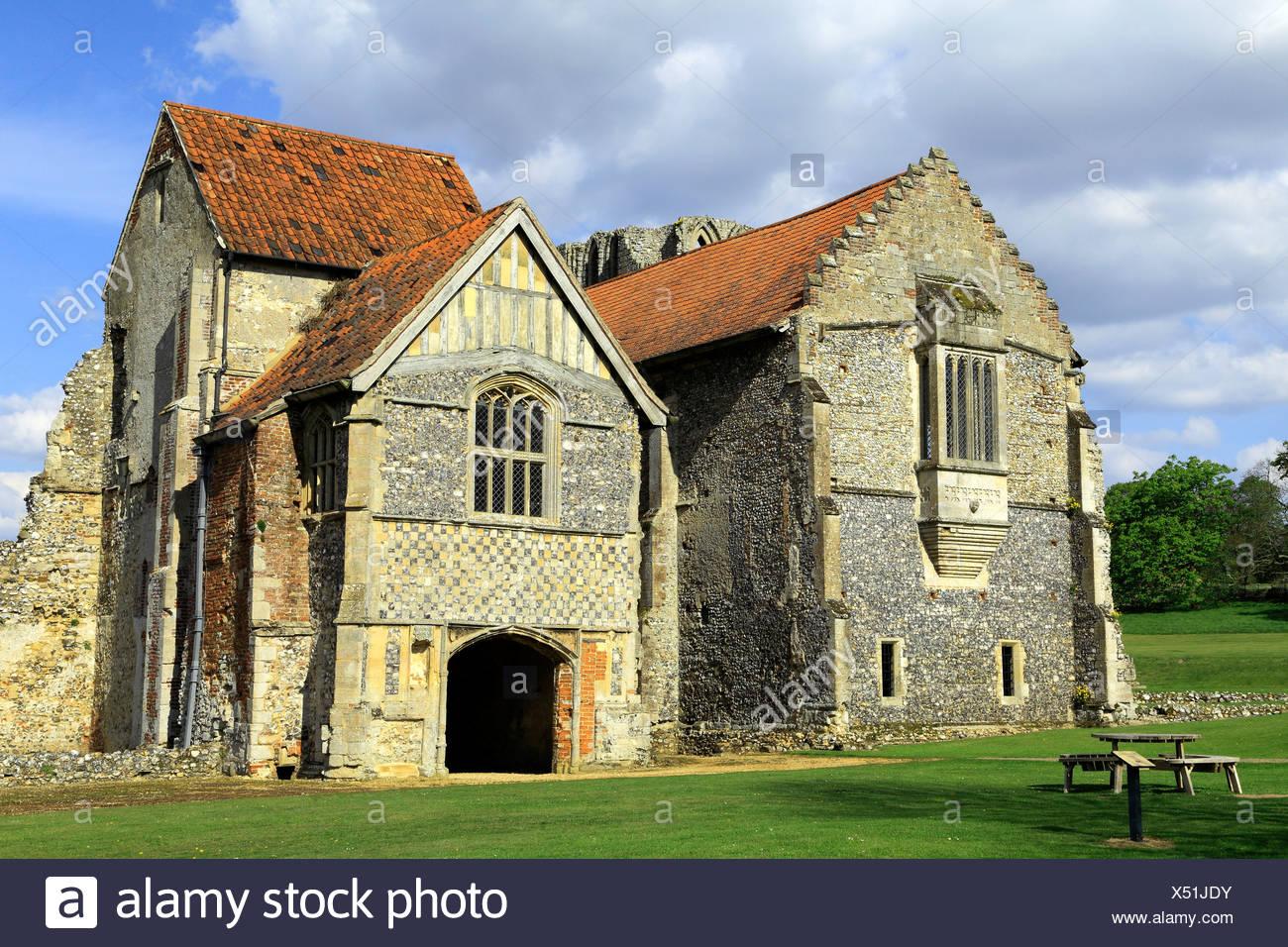 Castle Acre Prieuré, Norfolk, du logement avant, en Angleterre, Royaume-Uni, le monastère médiéval de Cluny, prieurés Anglais Photo Stock