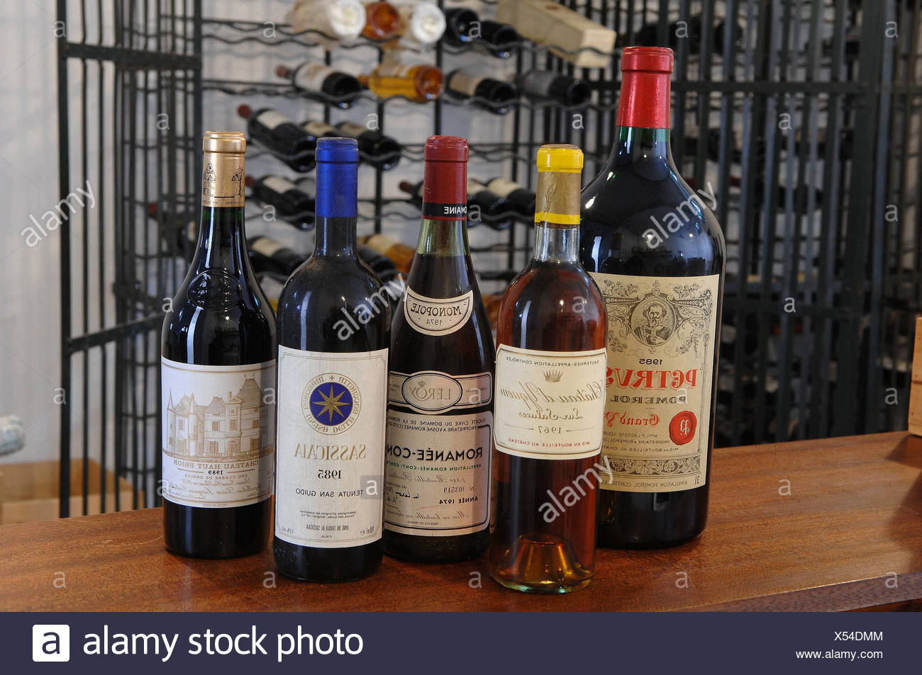 Bottle of romanee conti red wine photos bottle of romanee conti red wine images alamy - Tache de vin rouge ...