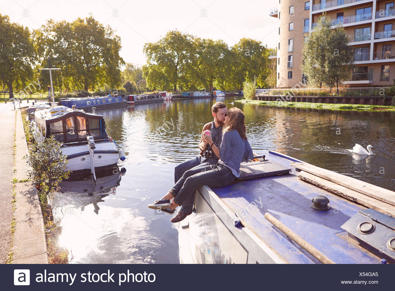 Couple sur canal boat Photo Stock