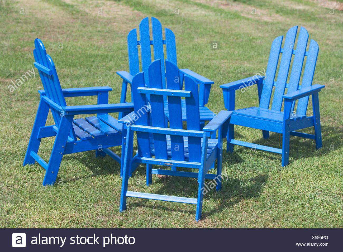 Chaises de jardin bleu Photo Stock