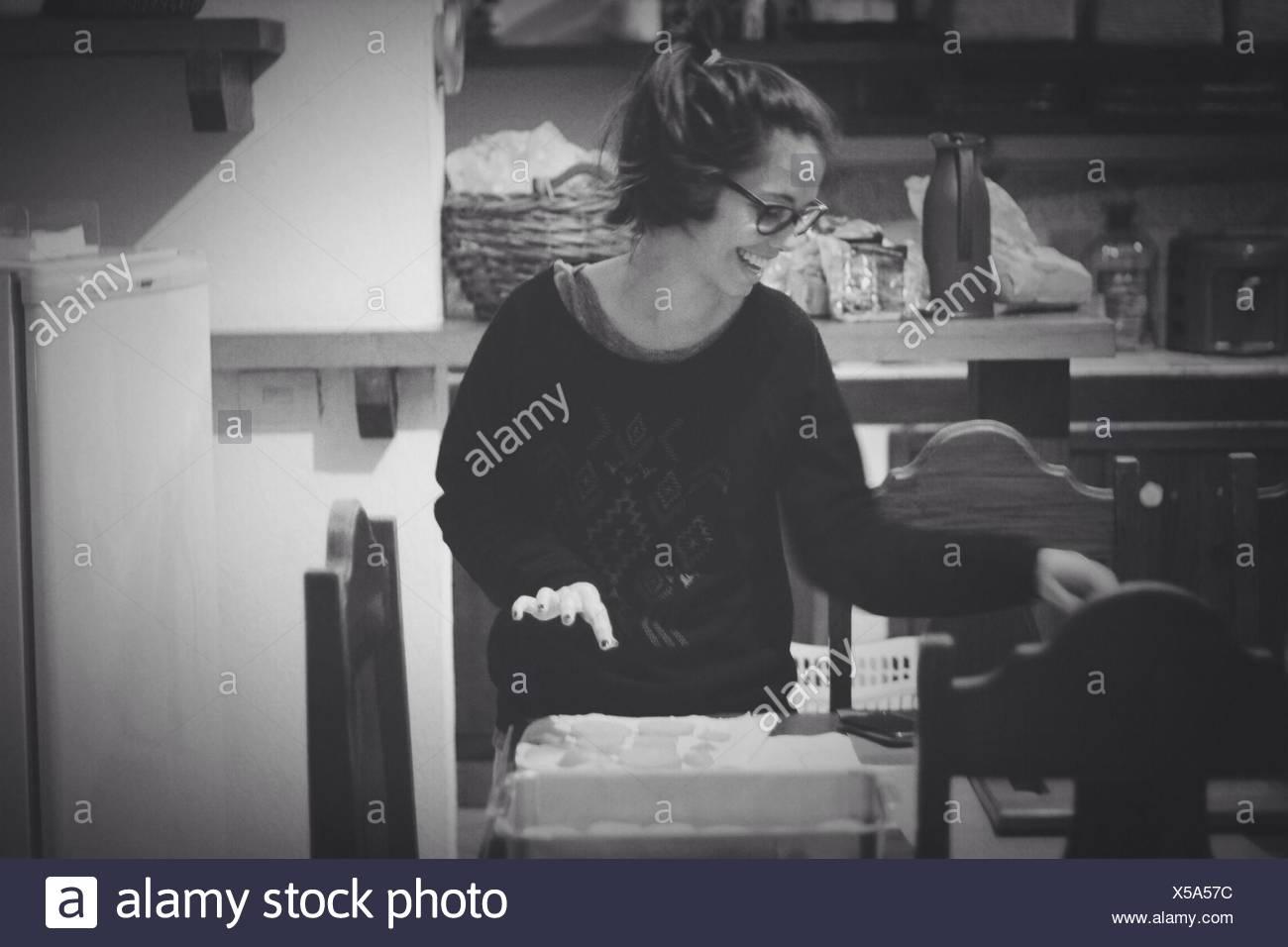 Femme cuisine Photo Stock