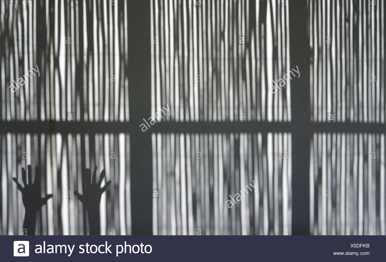 La main coupée sur la fenêtre Photo Stock