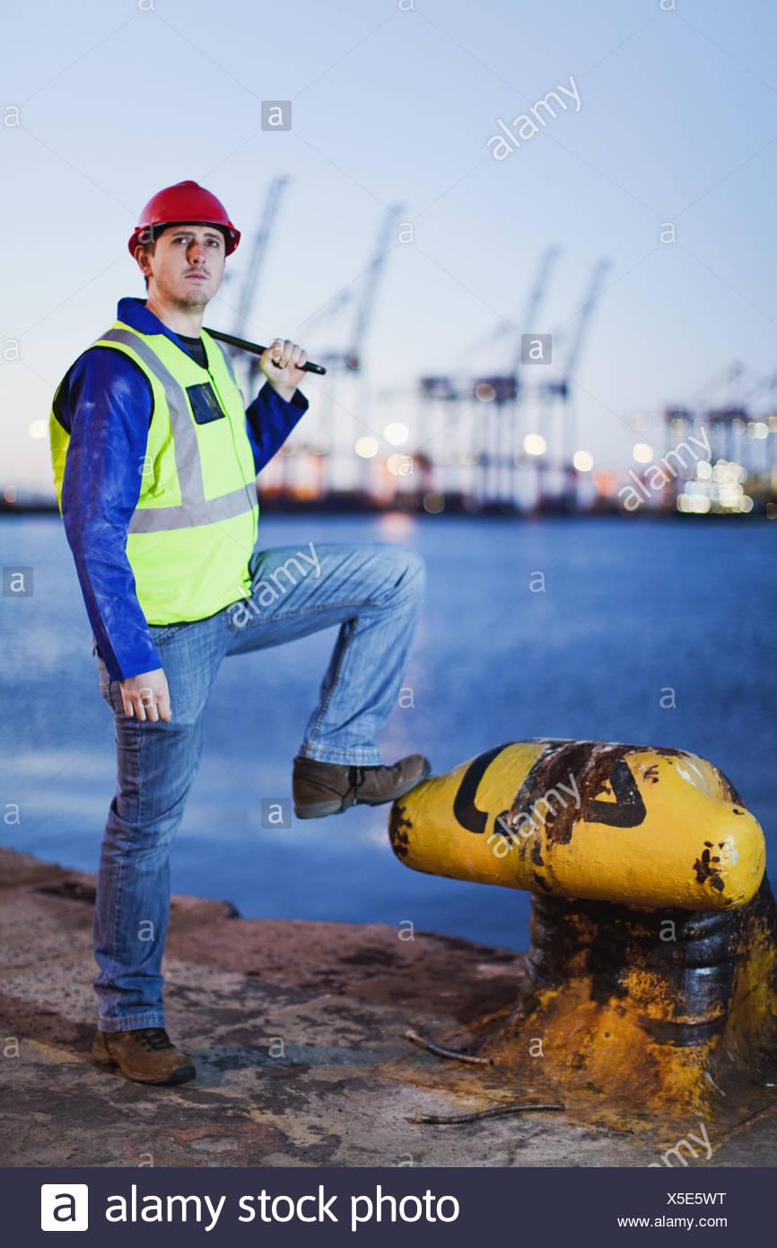 Worker à l'ancre en chantier Photo Stock