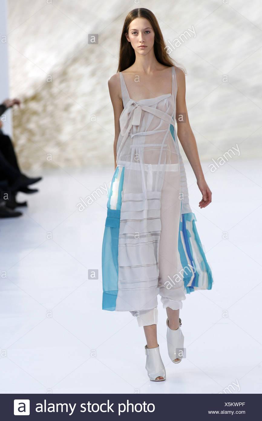 Chloe Paris Prêt à Porter Printemps Été   blanc et bleu dentelle  transparente longue robe blanche 78c55ab1555
