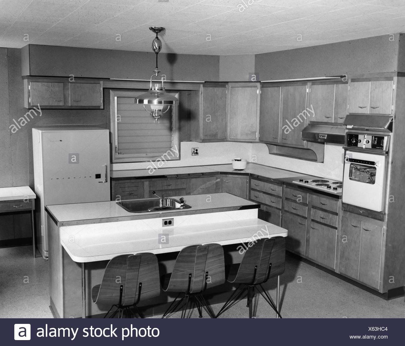 Cuisine Américaine Style Année 50 1950 kitchen photos & 1950 kitchen images - alamy