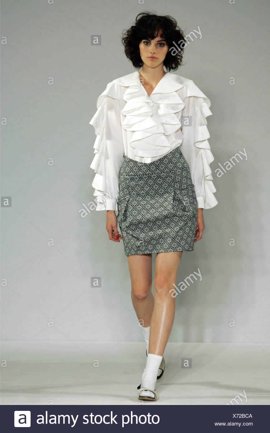 Berube Londres Prêt à porter printemps été chemisier blanc à manches  longues Flamenco c646196a9e0