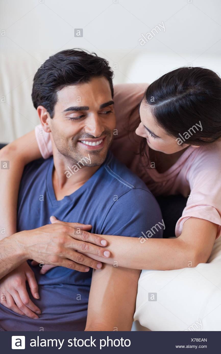 Portrait d'un charmant couple posing Photo Stock