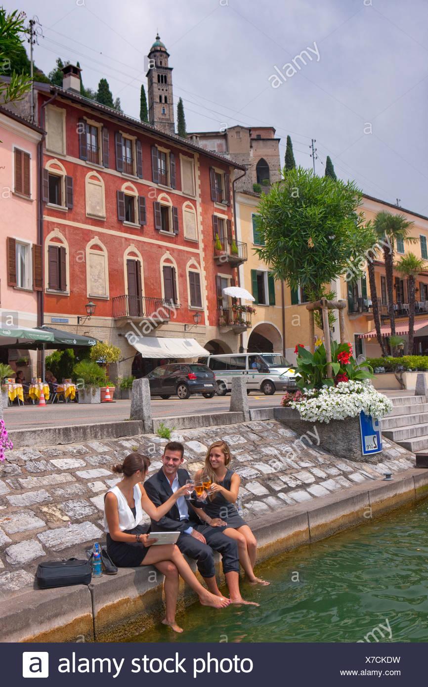 Pause, Stop, le lac de Lugano, Morcote, travail, emploi, occupation, profession, professions, métiers, groupe, de boire, de canton, TI, Tic Photo Stock