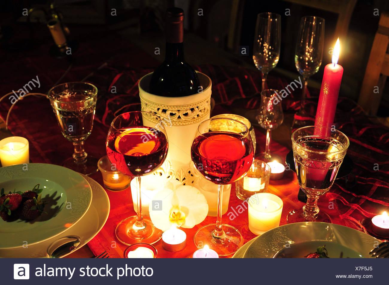 Diner Romantique Diner Romantique Aux Chandelles Photo Stock Alamy
