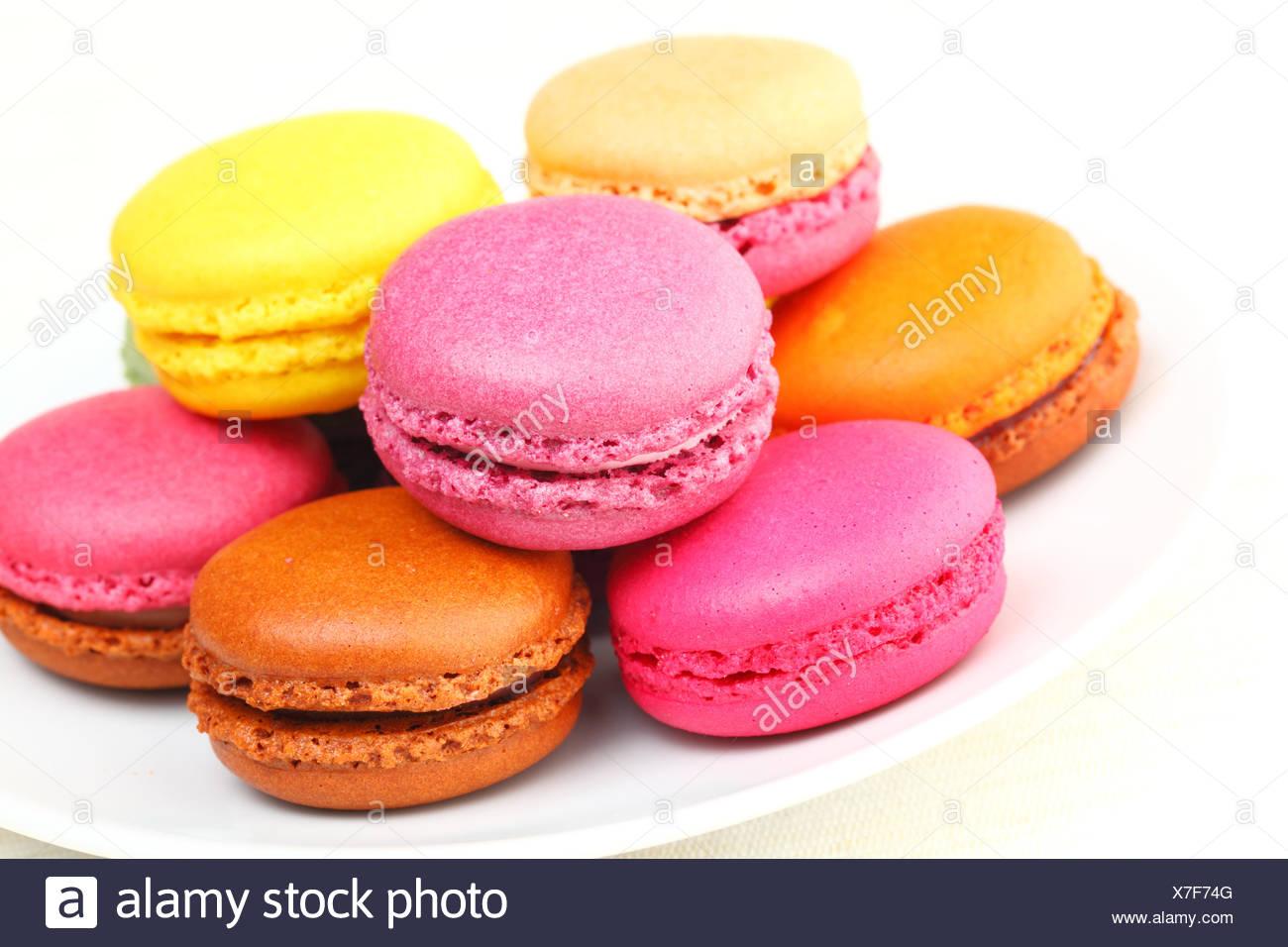 Gâteau sucré gâteaux tarte cookie Biscuit amande confiserie dessert macaron coloré confectinery vibrante plaque snack macron Photo Stock