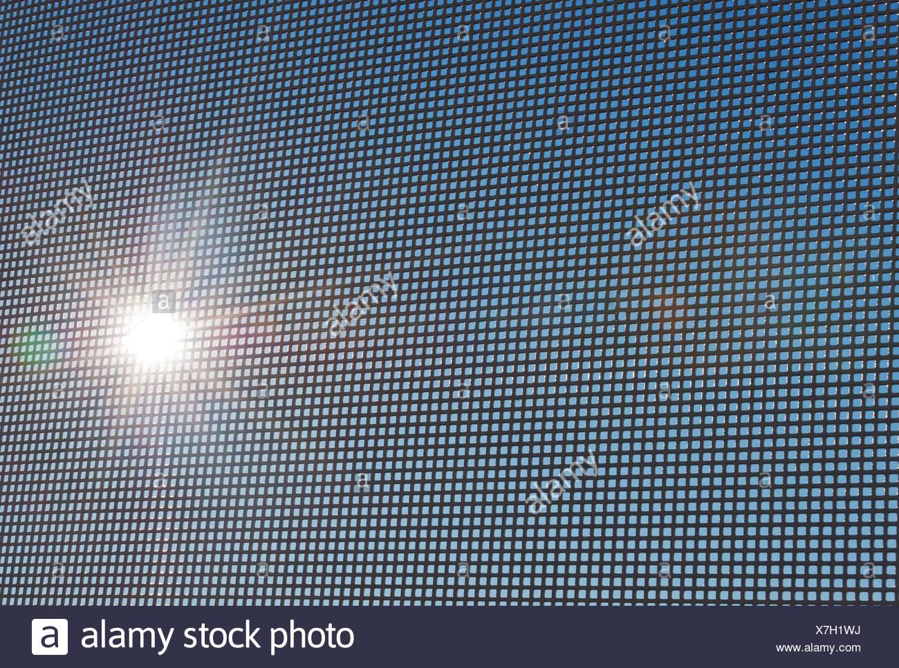 Grille grise sur la terrasse bien bekgraunde Photo Stock