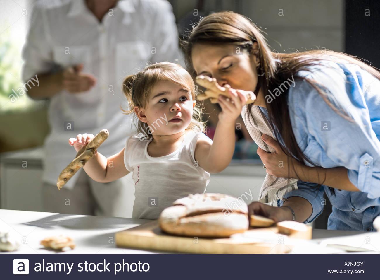 Mari et femme avec bébé fille Photo Stock