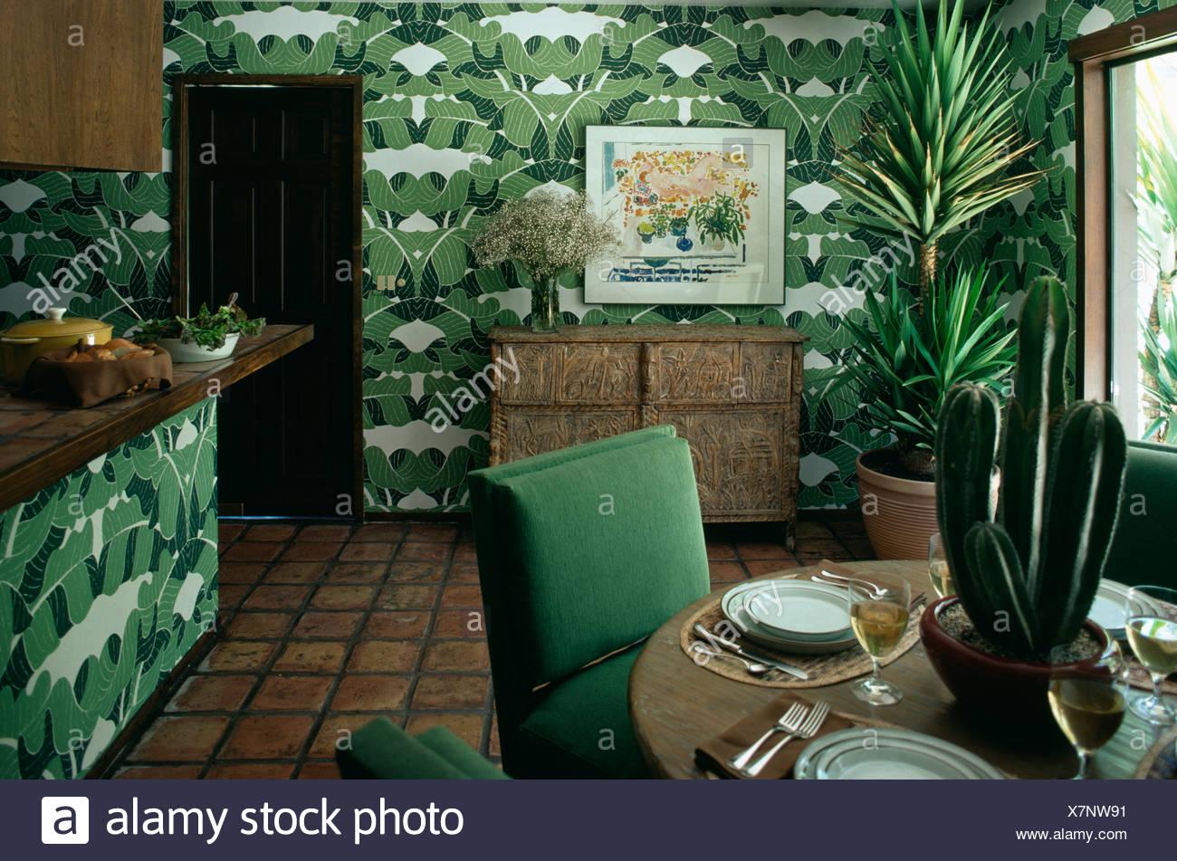 Tropical Vert Feuille Papier Peint En Salle à Manger Avec Table Sur