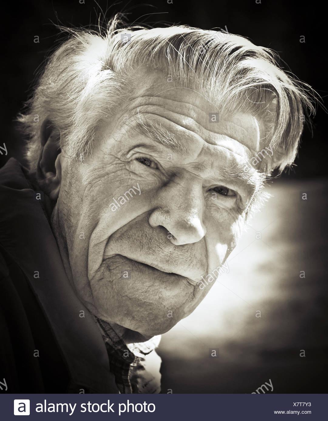 L'homme, senior, retraité, portrait, 70-80 ans, b/w Photo Stock
