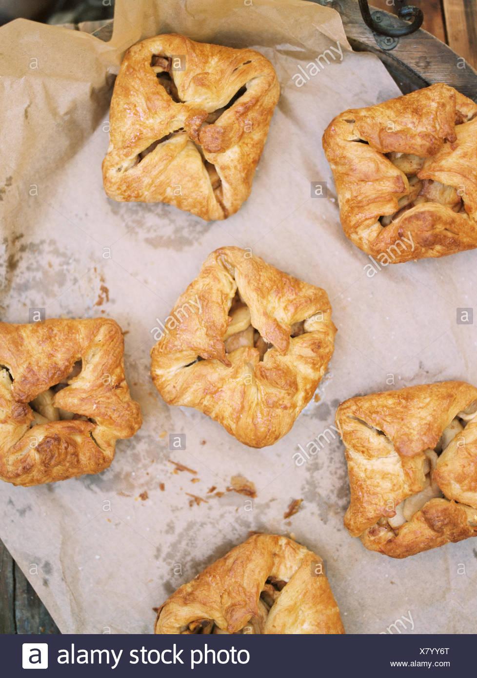 Apple orchard. La nourriture sur une table. Photo Stock