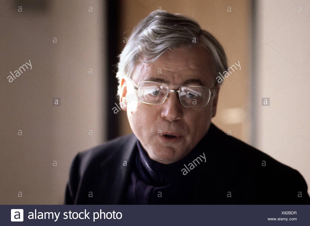Alexander Kluge, 14.2.1932, *, le réalisateur allemand, auteur / scénariste, portrait, des années 1980, parler, parler, lunettes, Photo Stock