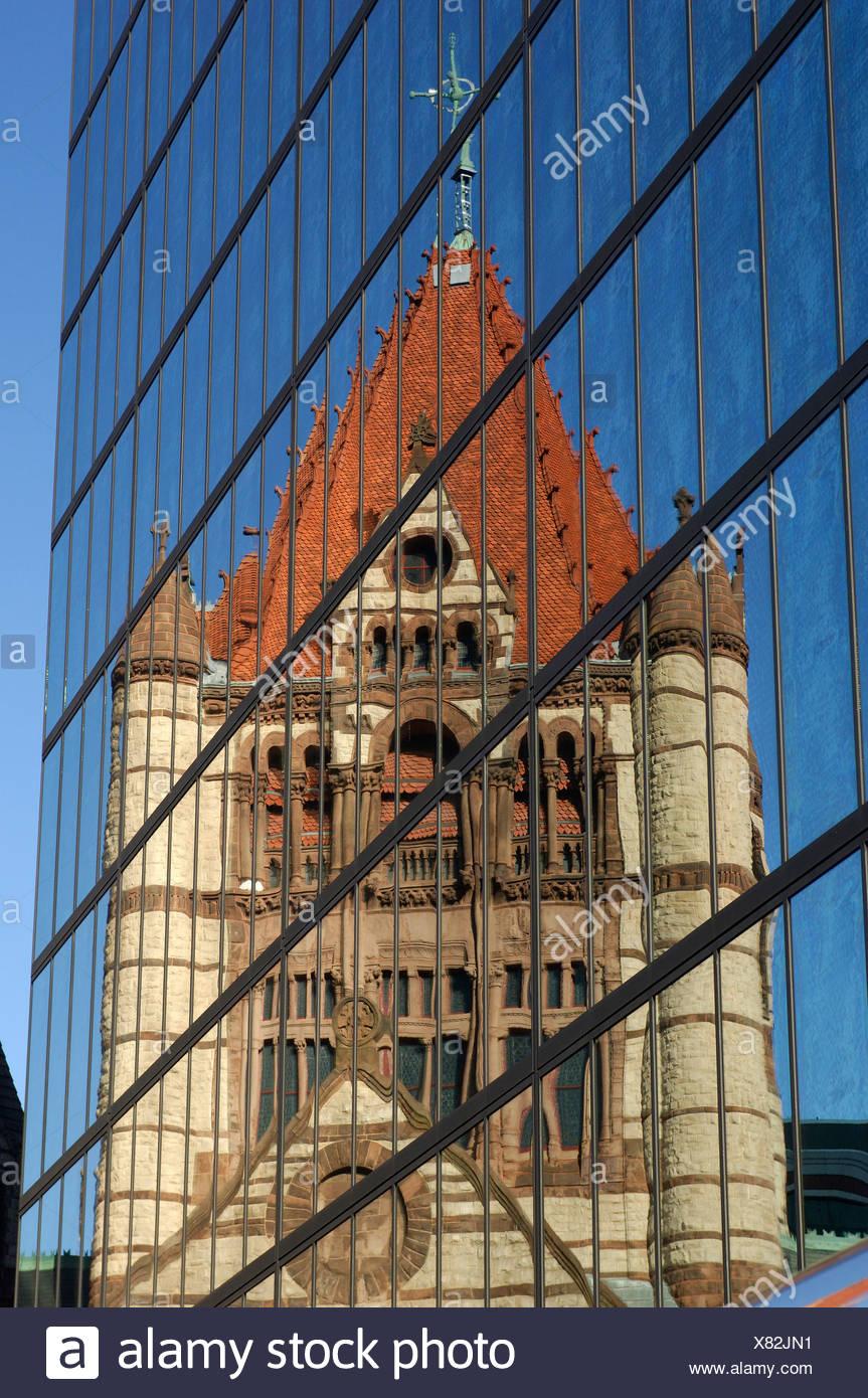 L'église Trinity Church façade façade verre réflexion moulder vieux contraste contraste opposition Boston Massach Photo Stock