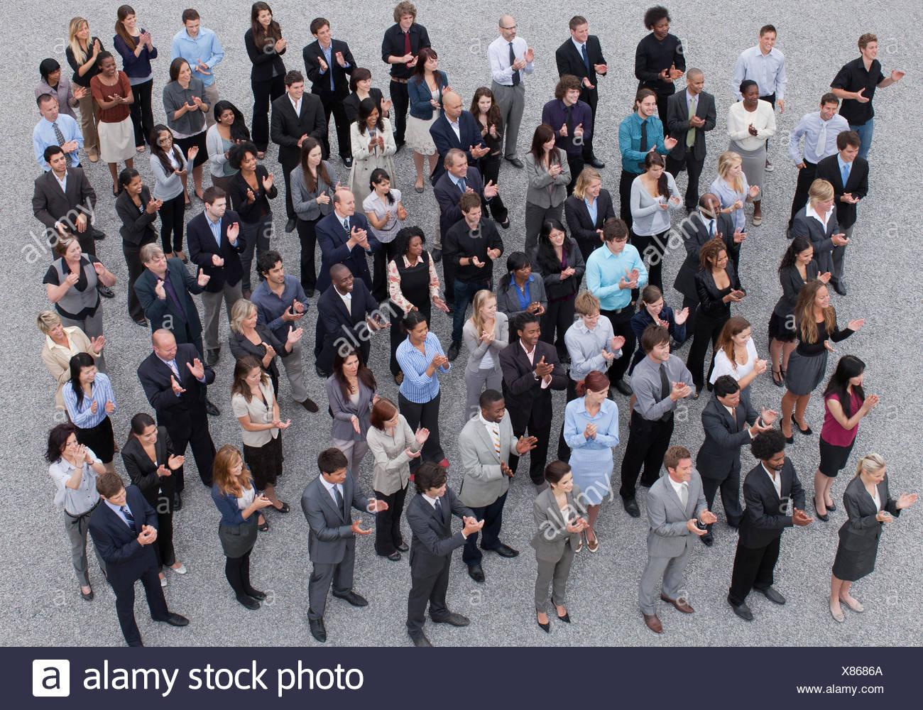 Foule de gens d'affaires clapping Photo Stock