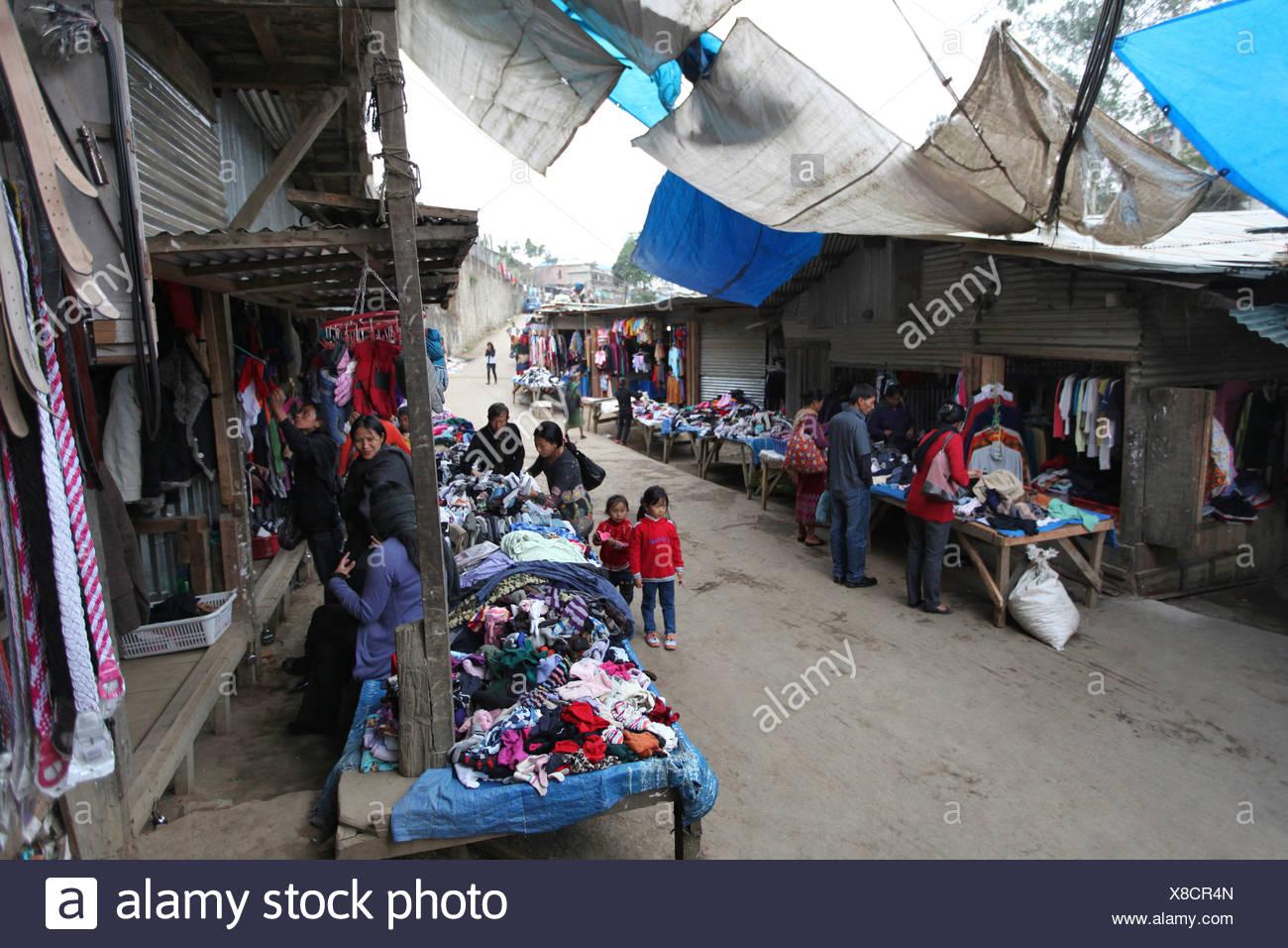 Marché du tissu, Kohima, Nagaland, Inde. Photo Stock
