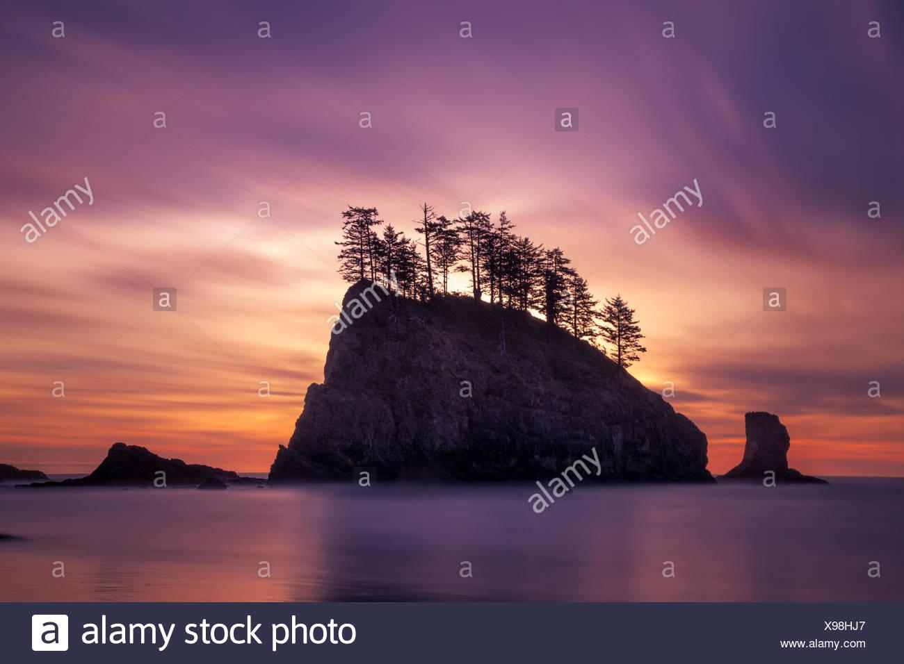 Bloc de la mer au coucher du soleil, Deuxième, plage de la peluche, Washington, l'Amérique, USA Photo Stock