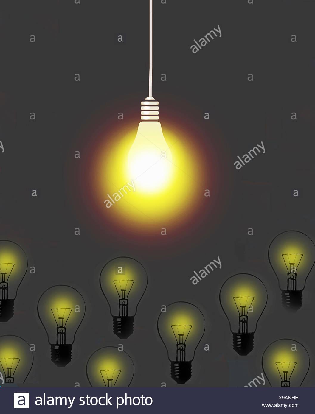 l 39 ampoule lumineuse qui brille au dessus de la faible lumi re x non banque d 39 images photo stock. Black Bedroom Furniture Sets. Home Design Ideas