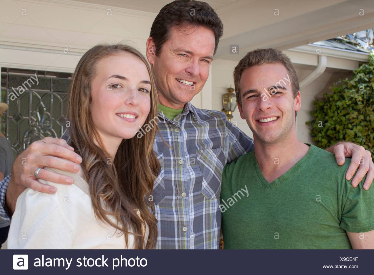 Portrait du père avec un enfant adulte Photo Stock