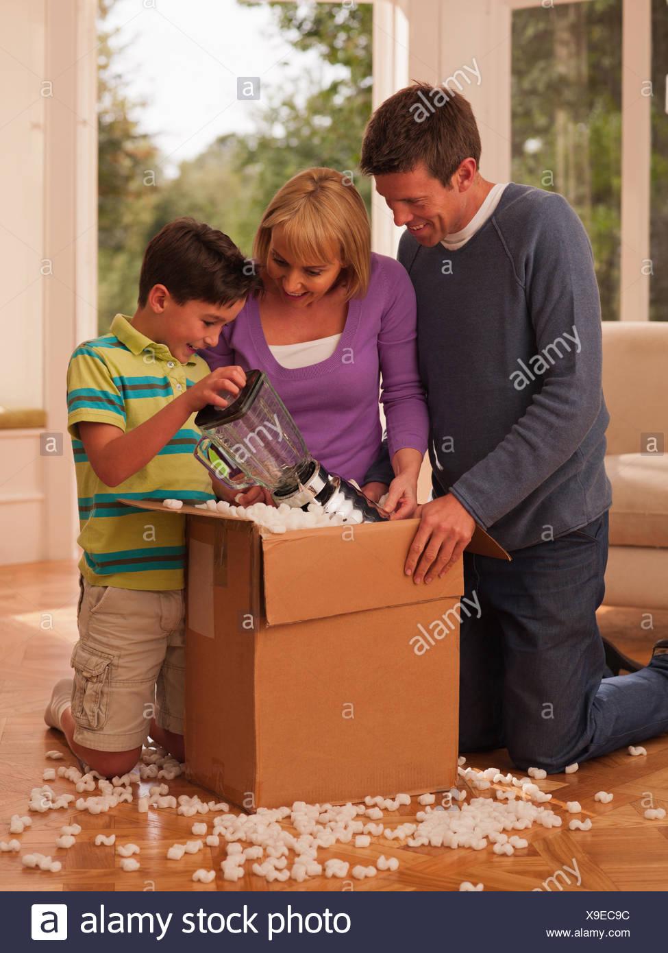 L'ouverture de la famille fort dans la salle de séjour Photo Stock