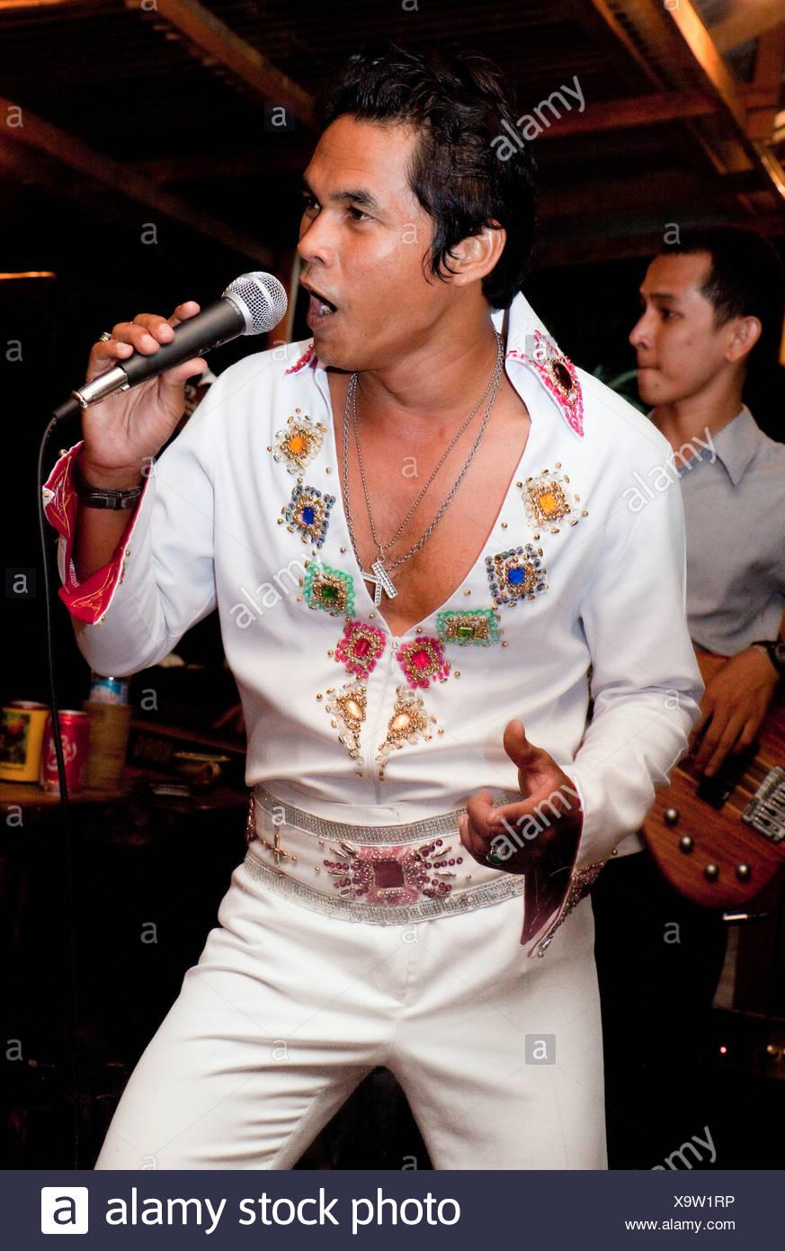 Imitateur d'Elvis sur une partie du sud de l'île de Phuket en Thaïlande Asie du sud-est Photo Stock