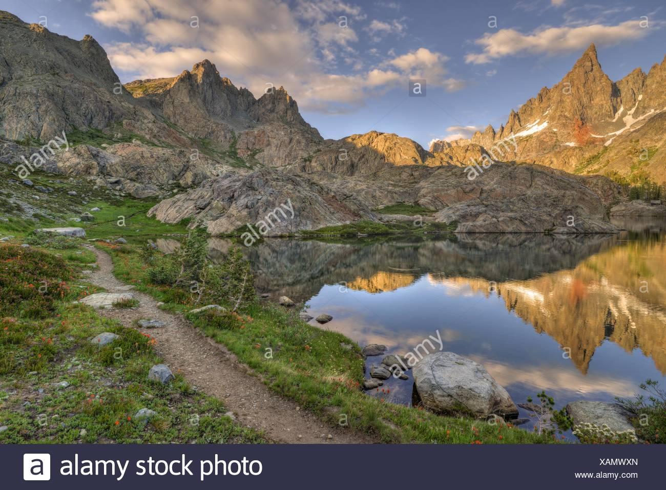 États-unis, Californie, Inyo National Forest, Chemin de montagne Photo Stock