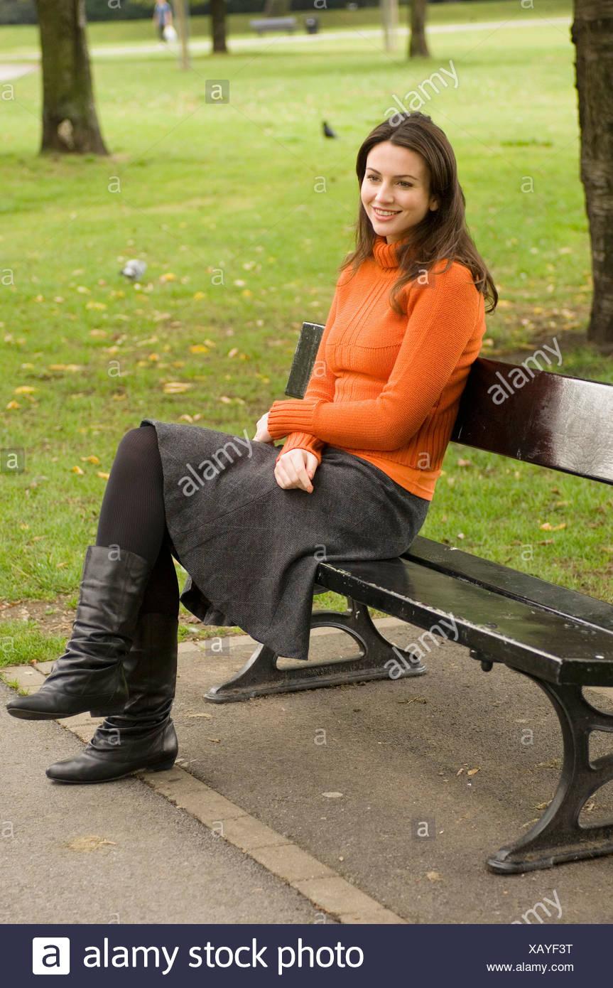 taille 40 9688f 856a0 Porter femme col polo orange, gris cavalier jupe et des ...