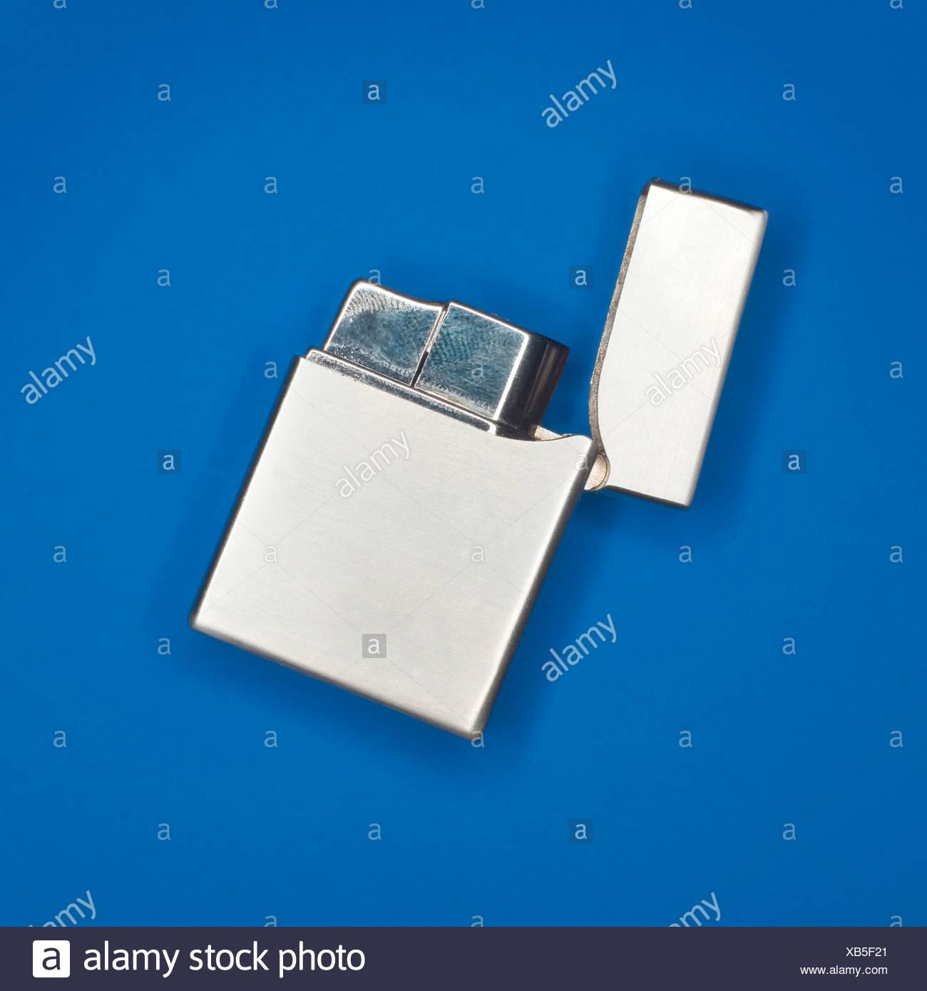 Allume-cigares en argent, elevated view Banque D'Images