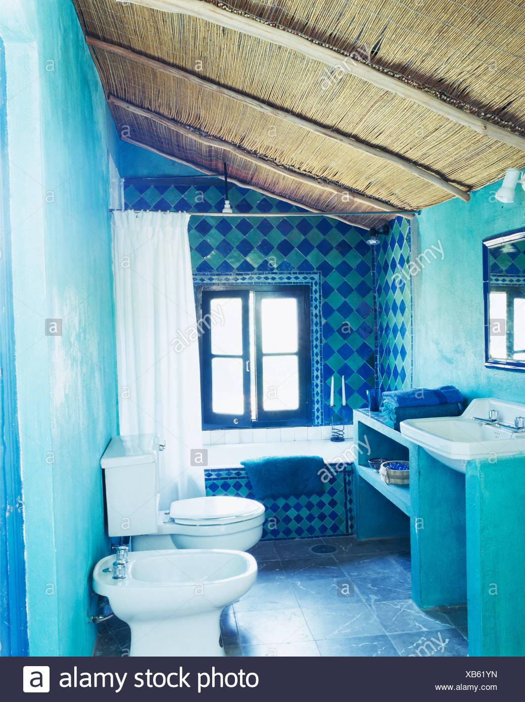 Carrelage Salle De Bain Bleu Turquoise plafond de chaume en espagnol turquoise bleu décoration