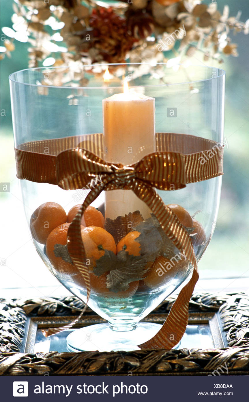L Or De Decoration A Noel Grand Verre Vase Rempli D Oranges