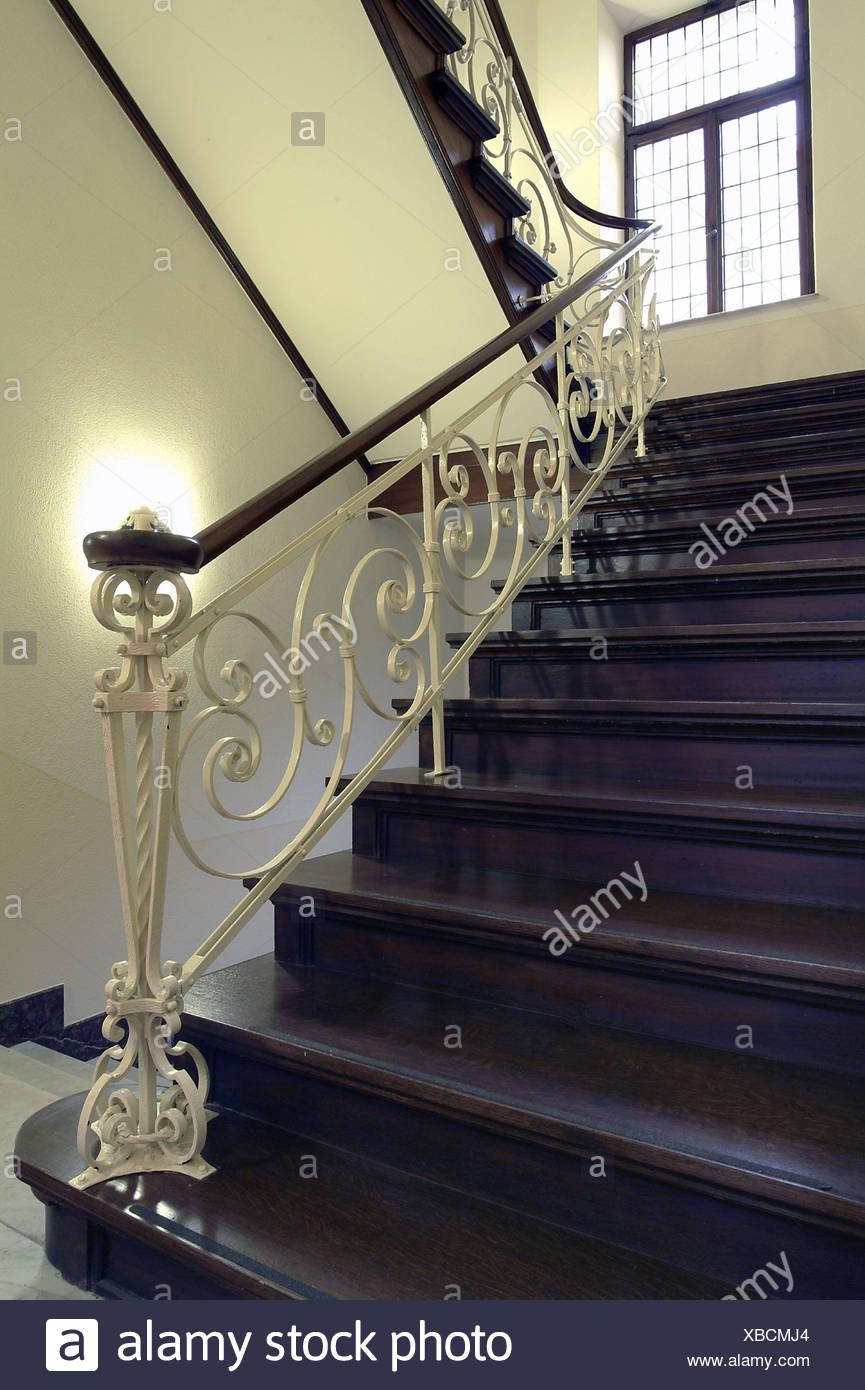 Garde Corps Haut Escalier escalier en bois, escalier, mains courantes, décorer