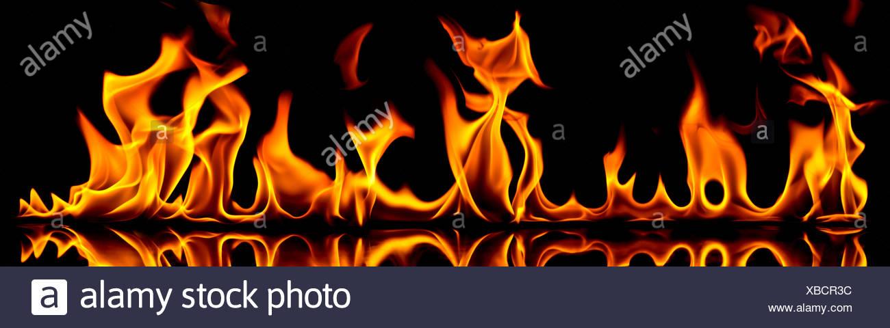 Feu et flammes. Photo Stock