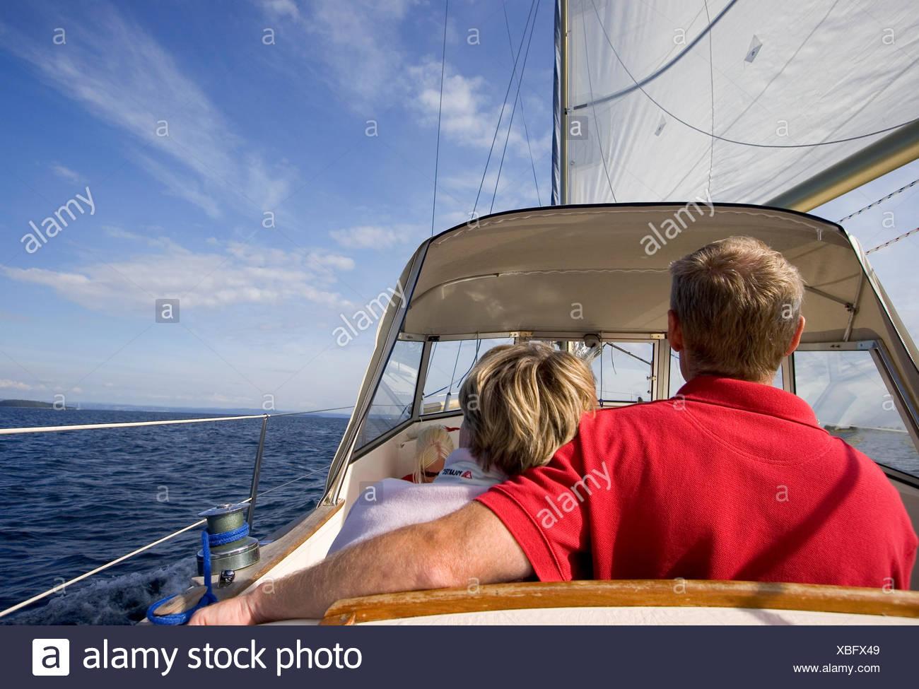 La Suède, Bohuslan, Reare de couple à vue Photo Stock