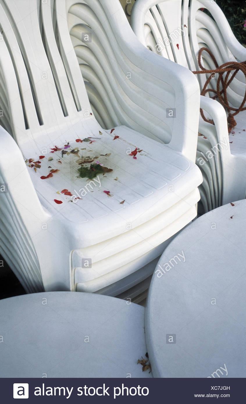 Terrasse De Restaurant Les Tables Les Chaises En Plastique