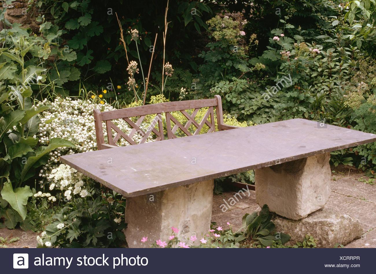 Table de jardin fait de l\'Ardoise haut de pierre brute ...