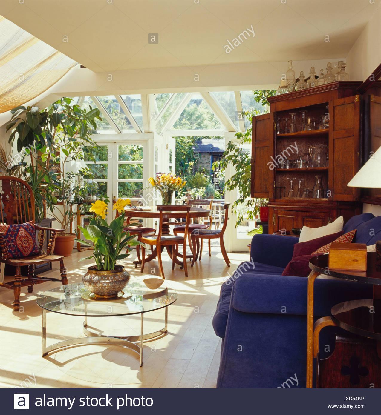 Verre +chrome table basse dans le salon et la salle à manger ...