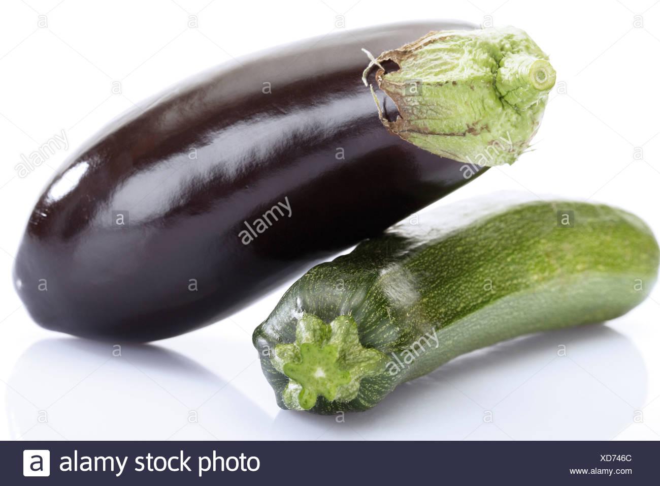 aubergine et courgettes close up banque d 39 images photo. Black Bedroom Furniture Sets. Home Design Ideas