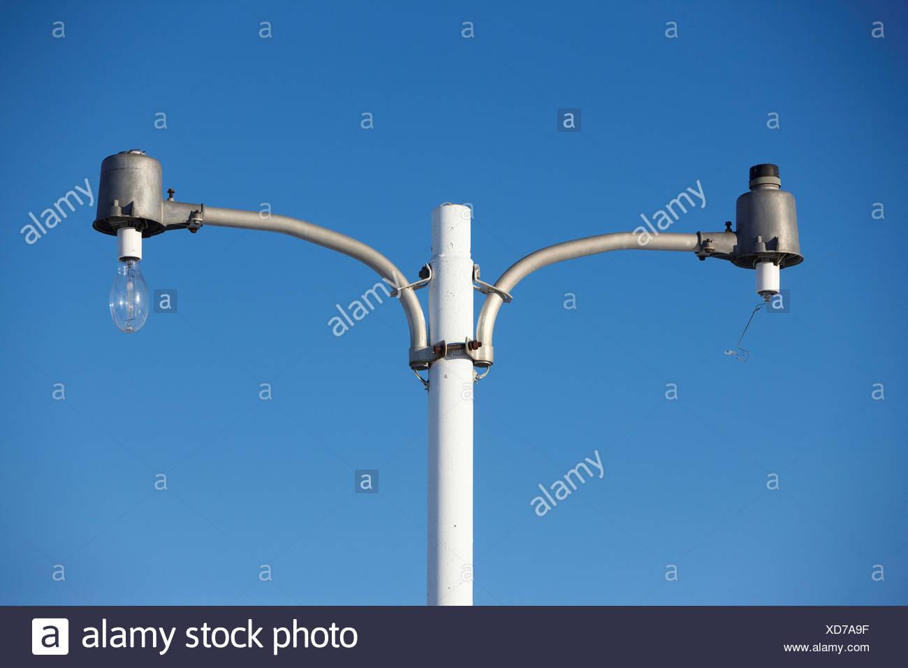 USA Kansas un pôle lumière lumière lumière intacte une cassée Photo Stock
