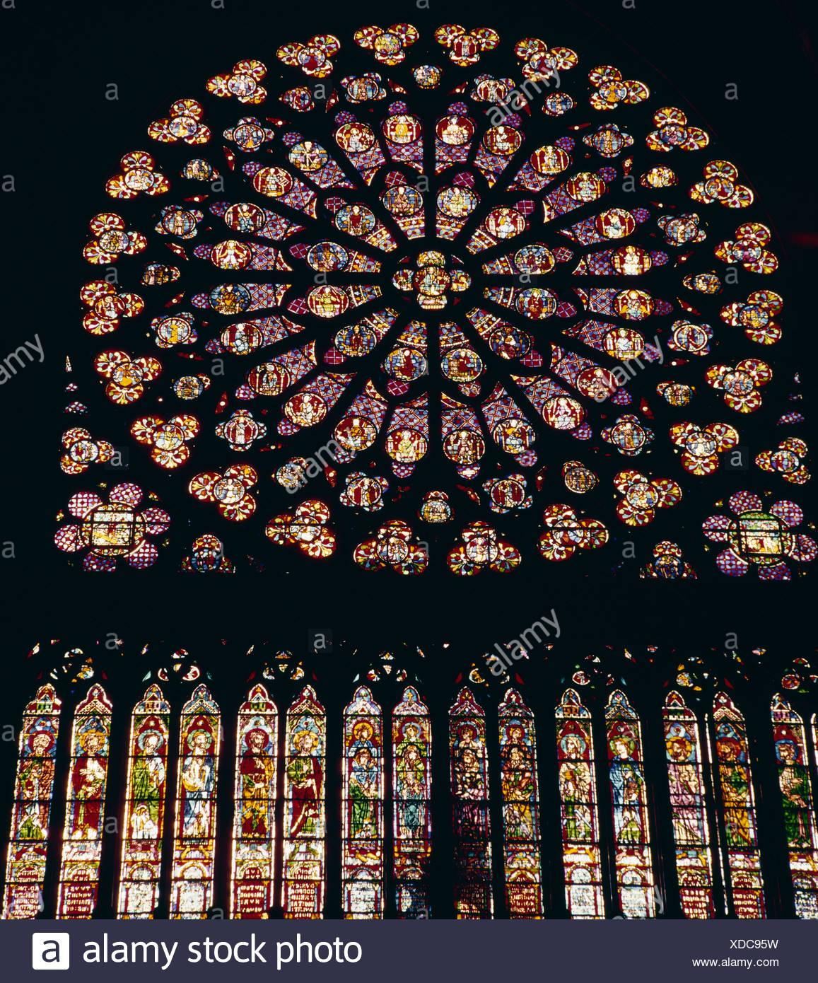 France Paris Notre Dame De Paris à Louest Les Vitraux De La