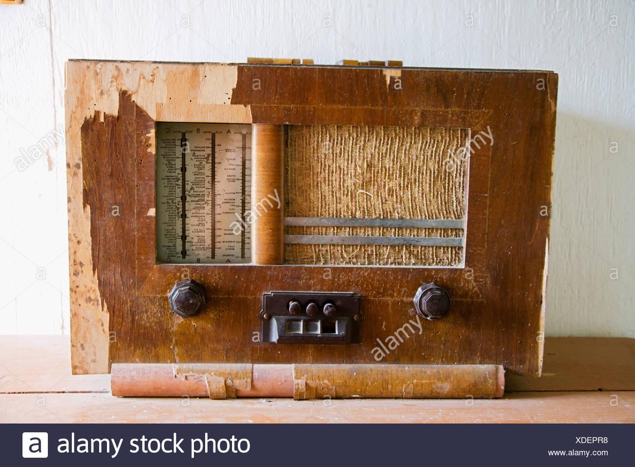 République d'Irlande, Comté de Sligo, Sligo Folk Park, vieille radio Photo Stock