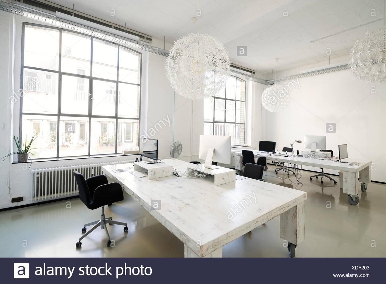 Interieur D Un Bureau De L Agence Moderne Banque D Images Photo
