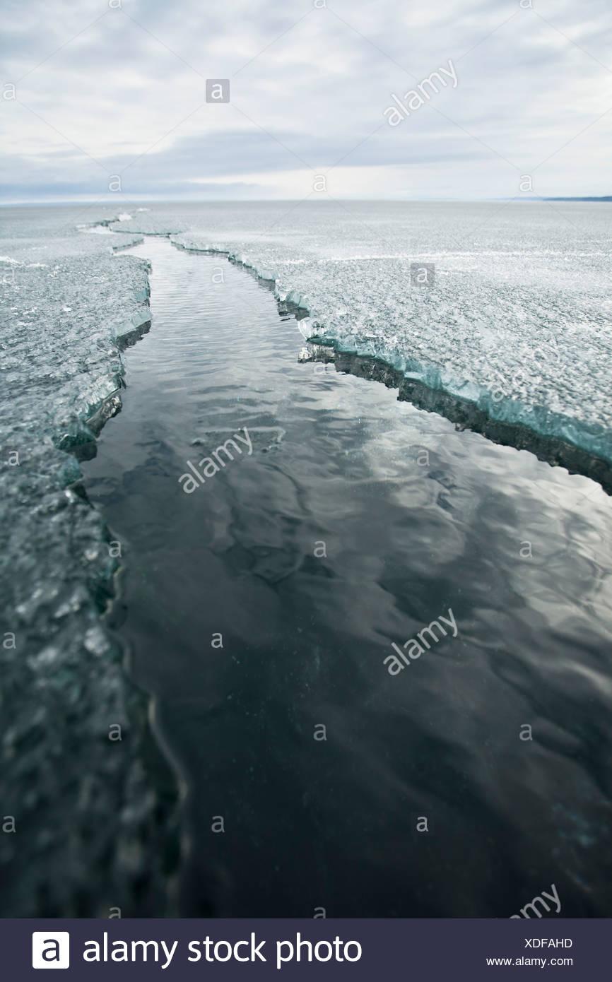 La glace fissurée lane Photo Stock